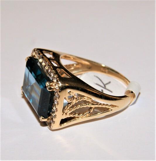 14K GOLD LONDON BLUE TOPAZ RING