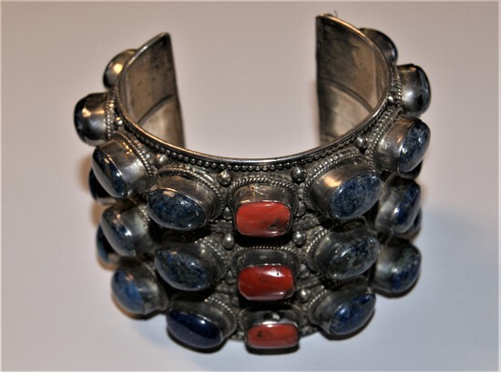 HUGE STERLING SILVER CUFF BRACELET WITH STONES WEIGHS 10.48 TROY OZ