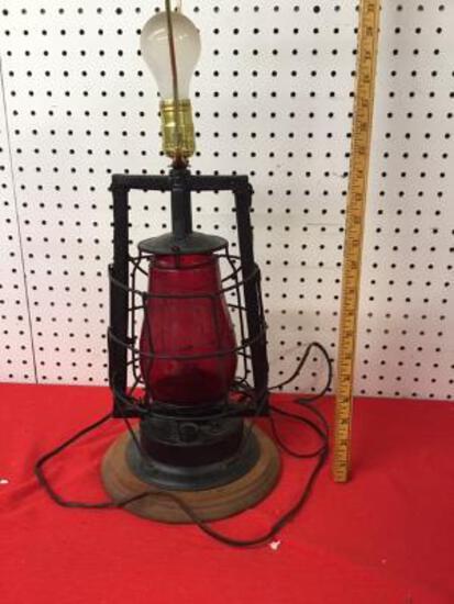 Dietz Lantern (lamp)