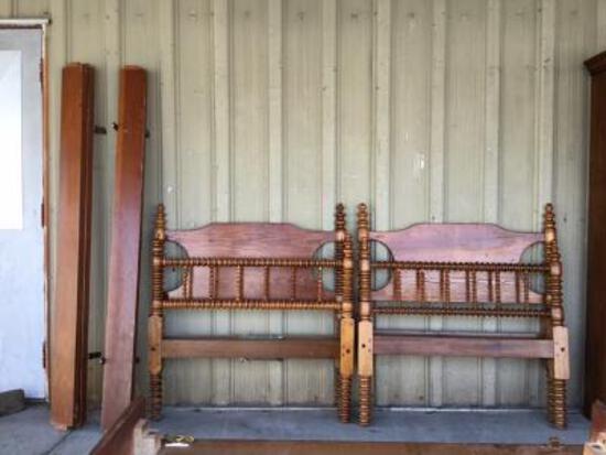 Pair Single Pine Beds