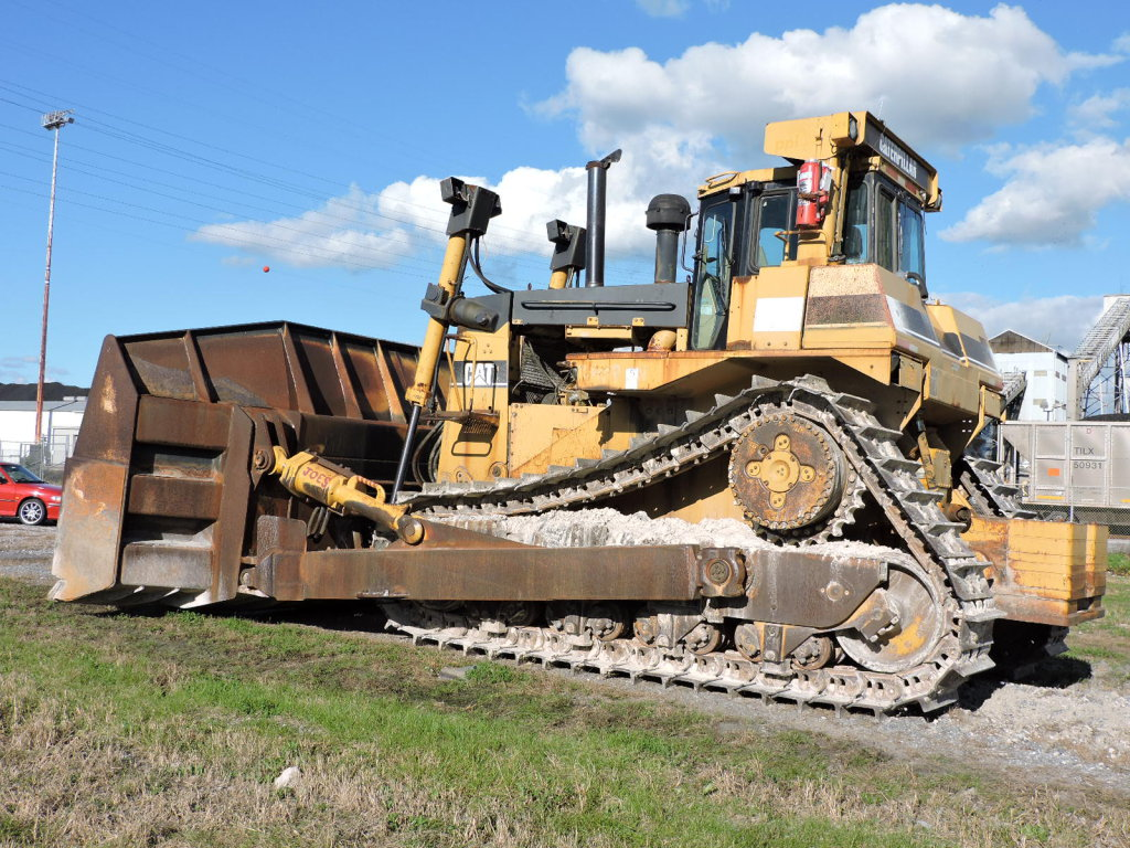 CATERPILLAR D10R DOZER - Extensive Work with Receipts