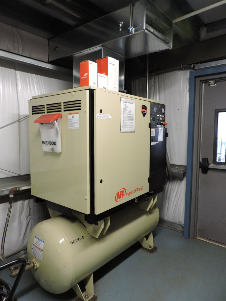 Ingersoll Rand Air Compressor - Model: UP6 30. 3612 Hours 80 AMP 480V 3 Phase
