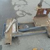 2200 LB Low Lift Transmission Jack - Functional