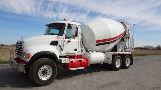 2004 MACK CV713 Cement Mixing Truck