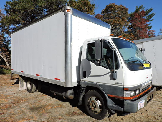 2004 Mitsubishi FUSO Regular Cab Box Truck - Turbo Diesel / Auto
