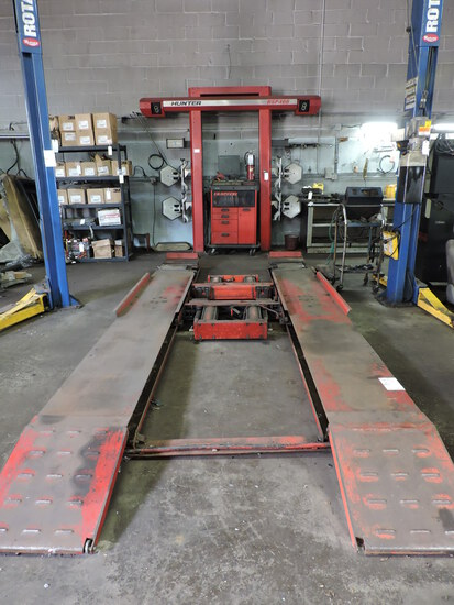 HUNTER DSP400 Alignment Machine with 6000 LB Floor Lift - See Photos and Notes