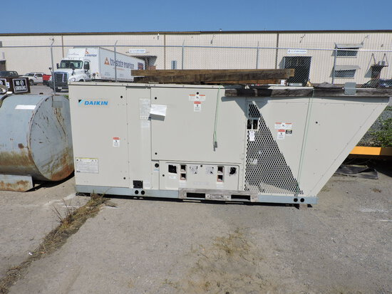 DAIKIN Roof-Top Central Air Unit - 324K BTU