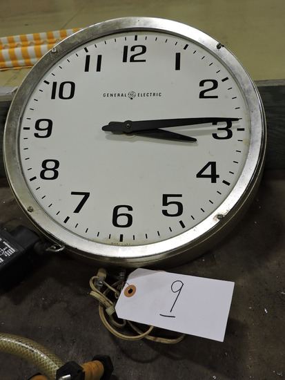 General Electric Old-School Clock / Silver - Functions