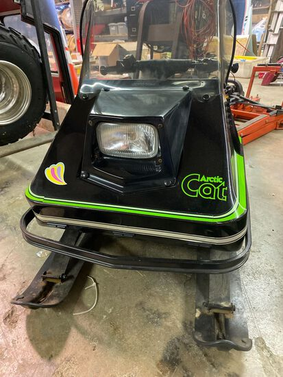 Arctic Cat - Kitty Cat / Child-Size Snow Mobile / Black with Green Trim