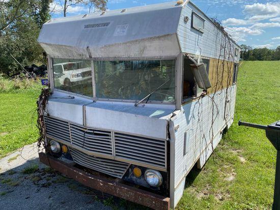 1970 WINNEBAGO RV in Need of Full Restoration