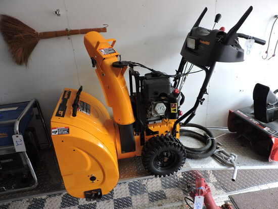 """POULAN PRO 6.5HP 27"""" Snow Blower - Functions Well - Looks NEW"""