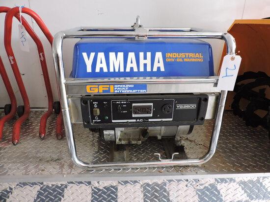 YAMAHA YG2600 Gasoline Generator with GFI - Looks NEW