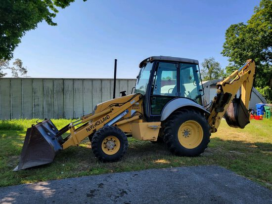 1998 FORD - NEW HOLLAND 555 CP4 4WD Back-Hoe / Loader -- 2807 Hours