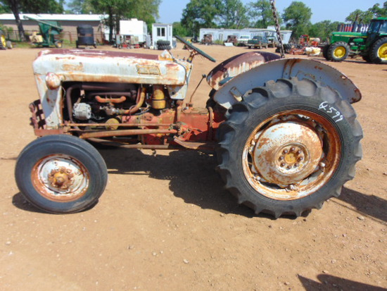 FORD 600 TRACTOR DOES NOT RUN
