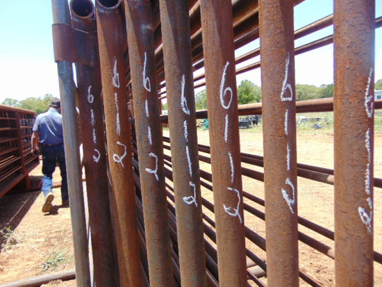 *NOT SOLD* QTY 8 24FT HEAVY DUTY CATTLE PANELS INCLUDED 8FT GATE