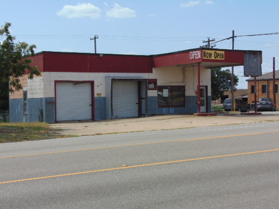 NOT SOLD/ THE OWNER DECLINED THE HIGH BID!  307 S. MAIN STREET, GIDDINGS, TEXAS