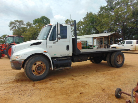 2001 INTERNATIONAL 4300 SERIES DIESEL DT 466 TRUCK
