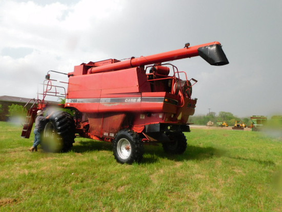 CASE III 2188 COMBINE WITH BEAN AND CORN HEADER
