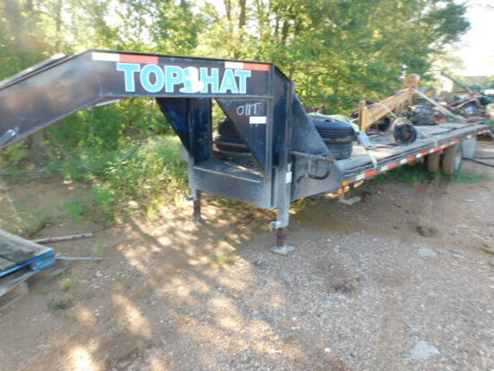 32FT TOP HAT TRAILER WITH TIRES ON RIMS 750-16