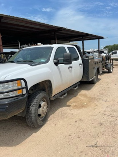 2014 Chevy 3500 Diesel Dually 180,477 miles brand new tires