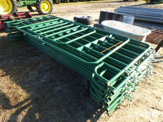 (10) CORRAL PANELS W/ 4' WALK-THRU