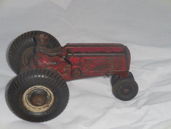 Vintage Cast Iron Arcade Tractor