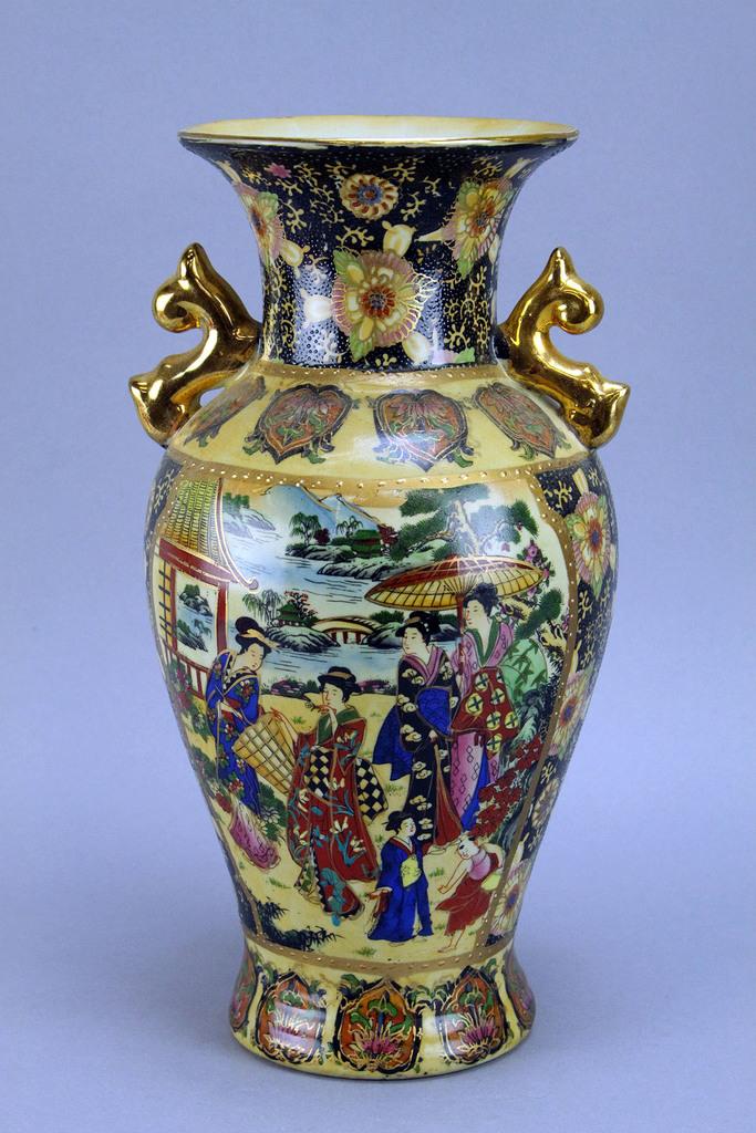 Royal Satsuma Hand Painted Vas Auctions Online Proxibid