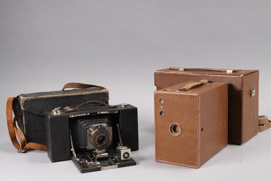 Folding  Brownie Automatic Camera & Box Camera w/ Case