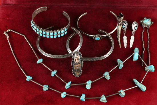 Southwest Silver & Turquoise Jewelry: Bracelets, Necklaces, Earrings