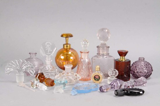 Vintage Perfume Bottles & Stoppers