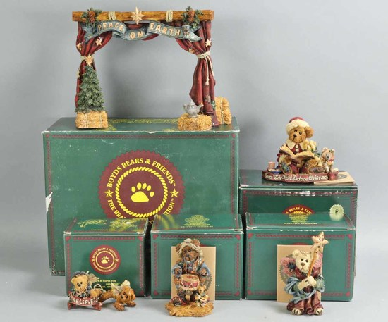 Boyd's Bears & Friends Holiday Collectibles