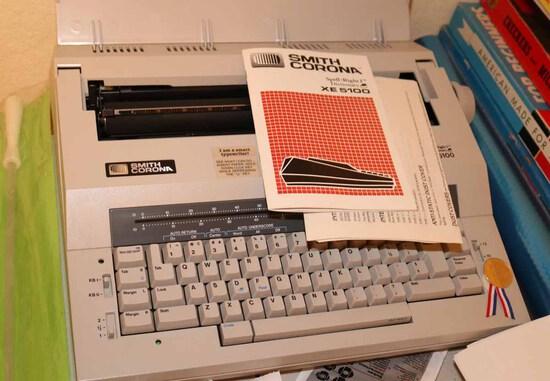 """Smith Corona """"Smart Typewriter"""" Model XE 5100"""