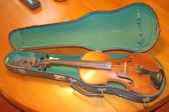 "Vintage German ""Straduari Conservatory"" Violin w/ Case"