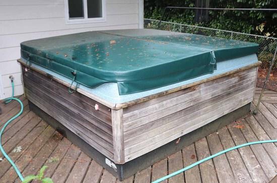 Coleman Hot Tub - Spa