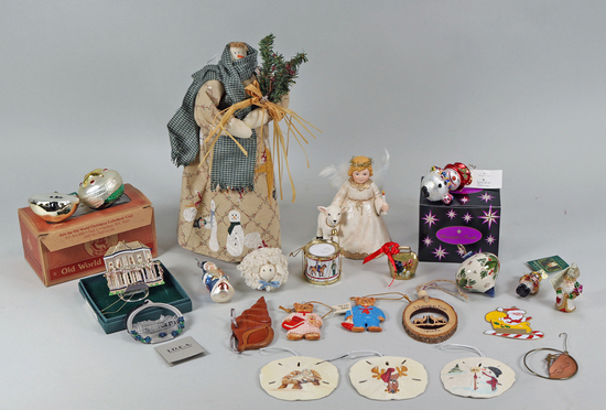 Assorted Christmas Ornaments - Décor Items