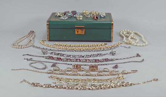 Beads, Pearls, Necklaces, Bracelets & Jewelry Box