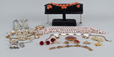 Costume Jewelry: Necklaces, Bracelets, Brooches, Earrings & More