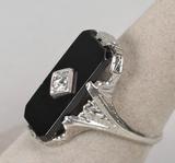 14k White Gold Vintage Diamond Ring, Sz. 7.5 , 5.3 Grams