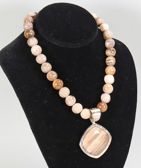 Brown Polished Stone Necklace & Pendant