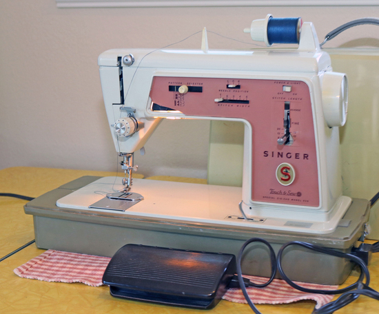 """Singer """"Touch & Sew"""" Model 620 Sewing Machine"""