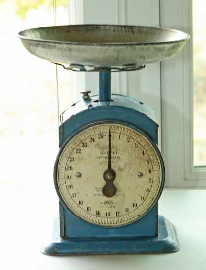 Vintage Saiter No. 48 Scale, England