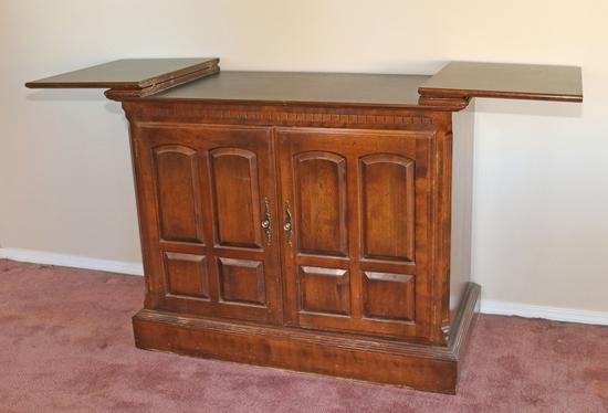 Ethan Allen  Buffet - Bar Cabinet
