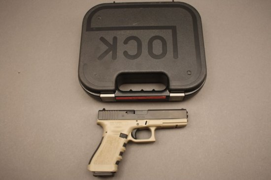 GLOCK MODEL 17, 9mm SEMI-AUTO PISTOL