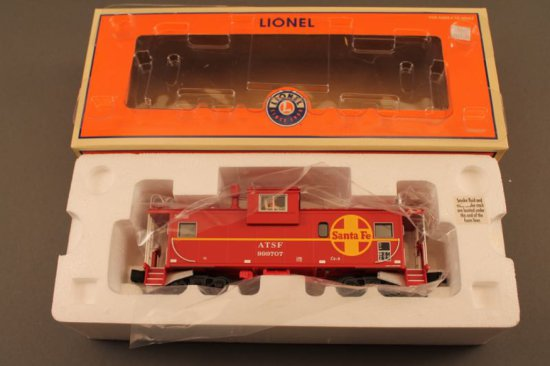 """6-17680 LIONEL SANTA FE EXTENDED VISION CABOOSE """"999707"""" W/SMOKE, NEW IN BO"""