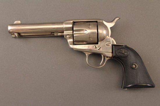handgun SMITH & WESSON M&P 9, 9MM SEMI-AUTO PISTOL