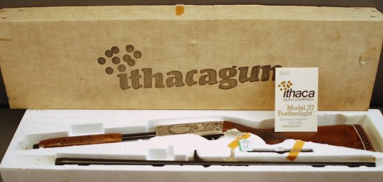 Ithaca Model 37 Featherlight 12 GA 2 _Ó Pump Action Shotgun