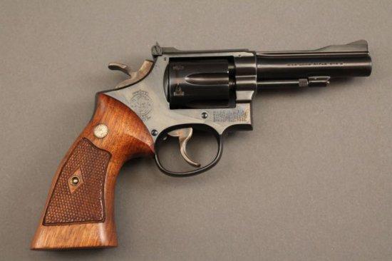 handgun SMITH & WESSON MODEL 22 MASTERPIECE .22CAL REVOLVER,