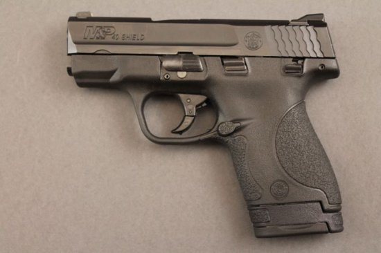 handgun SMITH & WESSON MODEL M&P SHIELD SEMI-AUTO .4OCAL PISTOL,