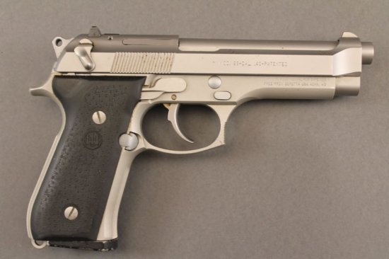 handgun BERETTA MODEL 96 SEMI-AUTO .40CAL PISTOL, , HAS BEEN FIRED, 1 MAG AND FACTORY BOX, NO PAPERS