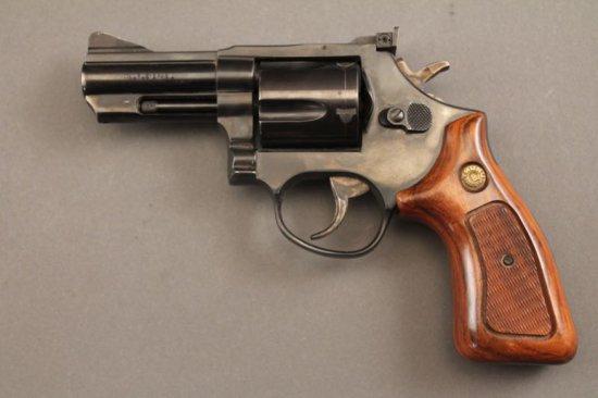 handgun TAURUS MODEL 441, 44SPL REVOLVER,